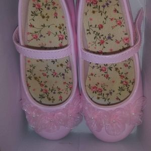 Girls shoes. Size 10